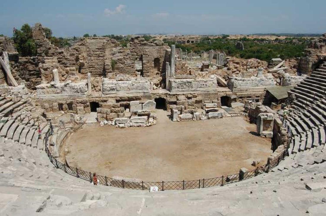 Romeins theater - bezienswaardigheden in Side