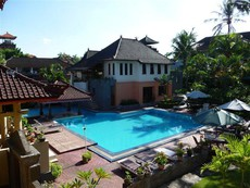 Hotel Bakung Beach Resort