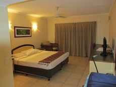 Hotel Bay Village Tropical Retreat