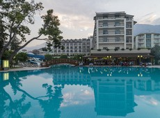 Hotel Palmet Beach Resort