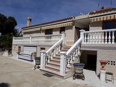 Vakantiehuis La Escuera (+ bungalow & minicamping)