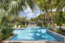Hotel Floris Suite