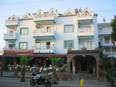 Aparthotel Karakas