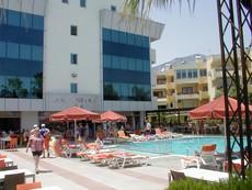 Hotel Fame Residence Park