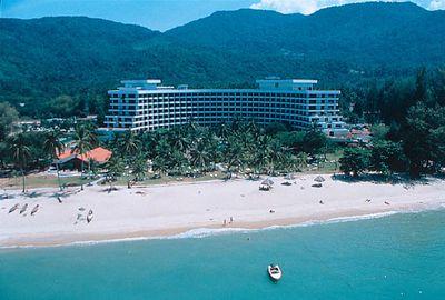Hotel Shangri La's Golden Sands