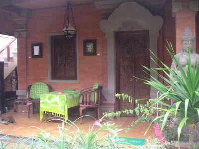Hotel Warji House