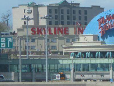 Hotel The Skyline Inn