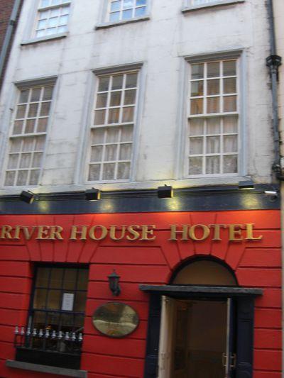Hotel Riverhouse