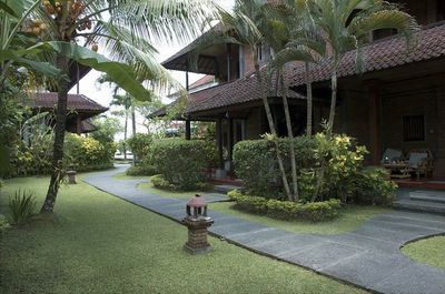 Hotel Sri Bungalows