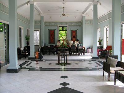 Hotel The Grand