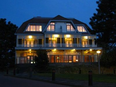 Hotel Villa De Duinen