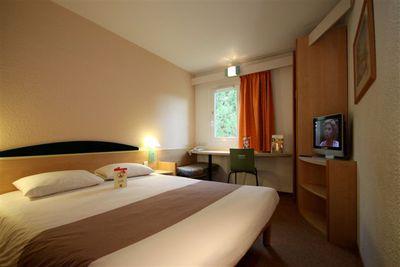 Hotel Ibis Carcassonne Est La Cite