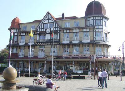 Hotel Grand Belle Vue