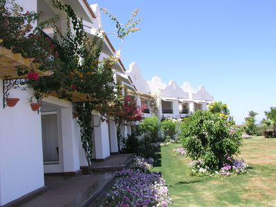 Hotel Lahami Bay Beach Resort & Gardens