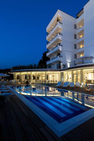 Hotel Mondial Resort