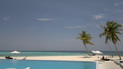 Villa Maafushivaru Island Resort