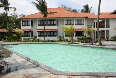Hotel Sutra Beach Resort