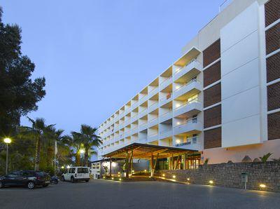 Hotel Fiesta Cala Nova
