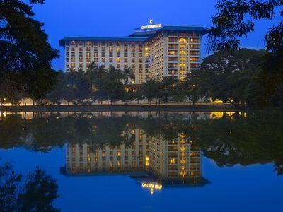 Hotel Chatrium Hotel Royal Lake Yangon