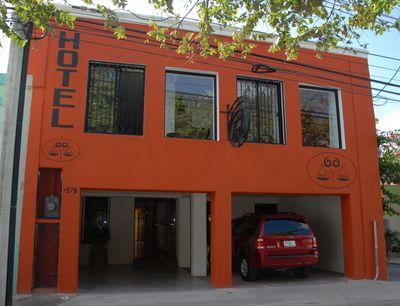 Hotel Aries y Libra
