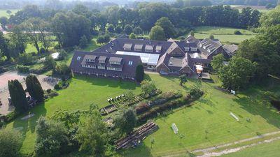 Hotel Landhuishotel De Bloemenbeek