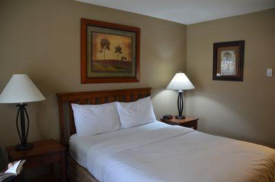 Hotel Tonquin Inn
