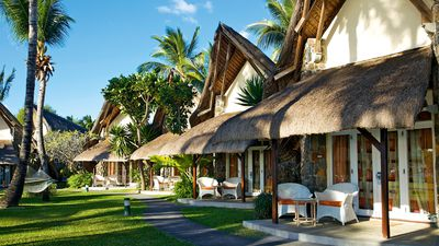 Hotel La Pirogue Resort & Spa