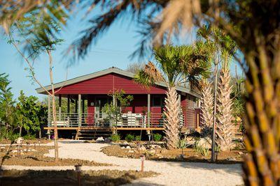 Lodge Red Palm Village