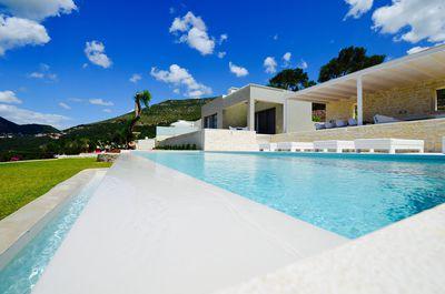 Villa Kira