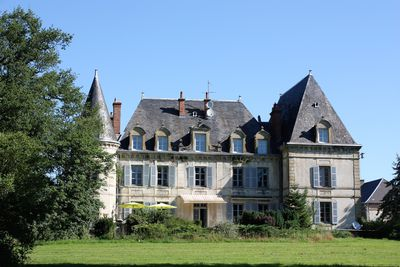 Camping Château de Chigy (ook chalets)