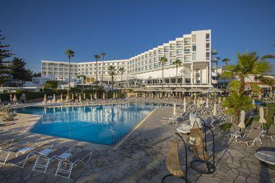 Hotel Leonardo Plaza Cypria Maris Beach Hotel & Spa