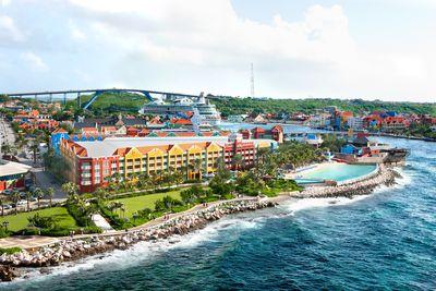 Hotel Renaissance Curacao Resort