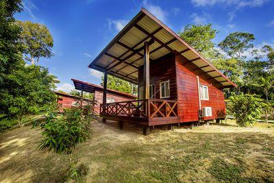 Lodge Knini Paati Jungle & River Resort