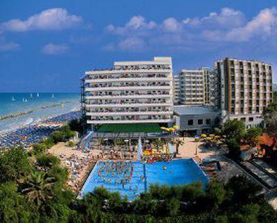 Hotel Serena Majestic