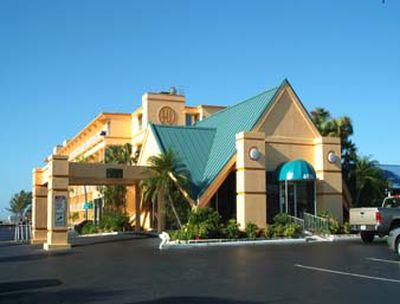 Hotel Howard Johnson Resort St Pete Beach, FL