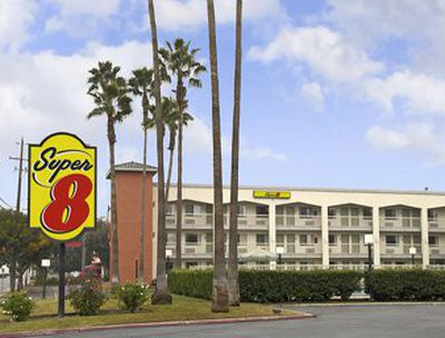 Hotel Super 8 Bakersfield Central