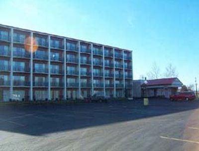 Hotel Howard Johnson Benton Harbor, MI