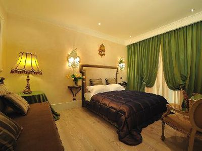 Bed and Breakfast MDM Luxury Rooms