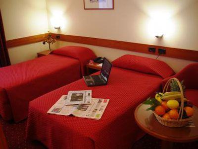 Hotel Holiday Inn Bologna Via Emilia