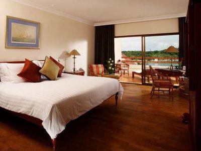 Hotel Le Royal Meridien Phuket Yacht Club