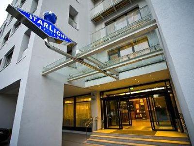Hotel Starlight Suites