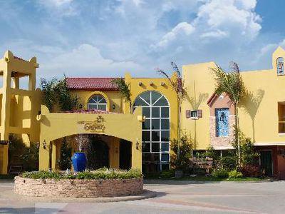 Hotel Crown Regency Residences