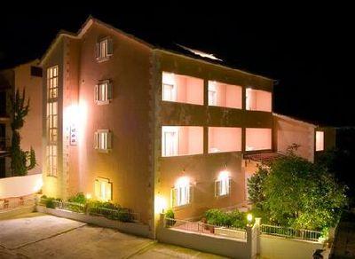 Hotel Villa Midea