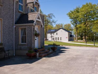 Pension Groarty House & Manor