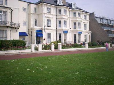 Hotel The Carlton