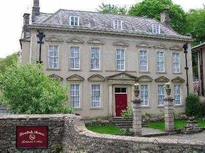 Hotel Bowlish House