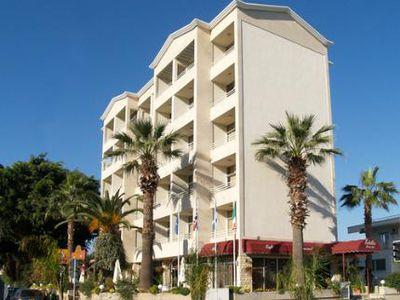 Aparthotel Estella