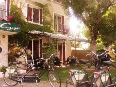 Hotel Saint-Cyr