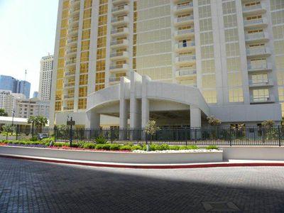 Hotel Signature at MGM Grand