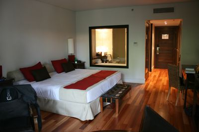 Hotel Loi Suites